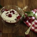 Rote Grütze aus Zwetschgen, Himbeeren & Erdbeeren