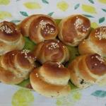 Holunderblüten Milchbrot-Schnecken - vegetarisch