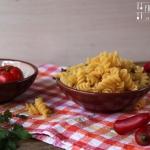 Nudelauflauf mit Zucchini & Feta - vegetarisch