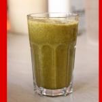 Grüner Nektarinen Bananen Smoothie