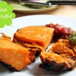 Süßkartoffel im Ofen mit Avocadocreme & Salsa