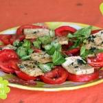 Vegane Caprese - Tomaten mit Tofu