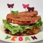 Gemüse Sandwich mit mariniertem Tofu und Aioli