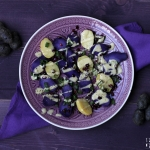 Lila Kartoffelsalat mit Rucola