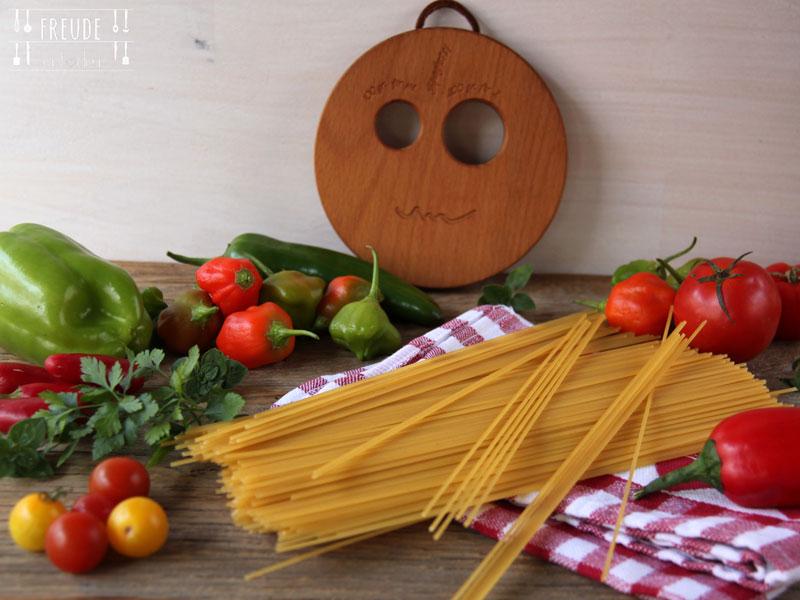 Spaghetti mit roher Tomatensauce - Freude am Kochen