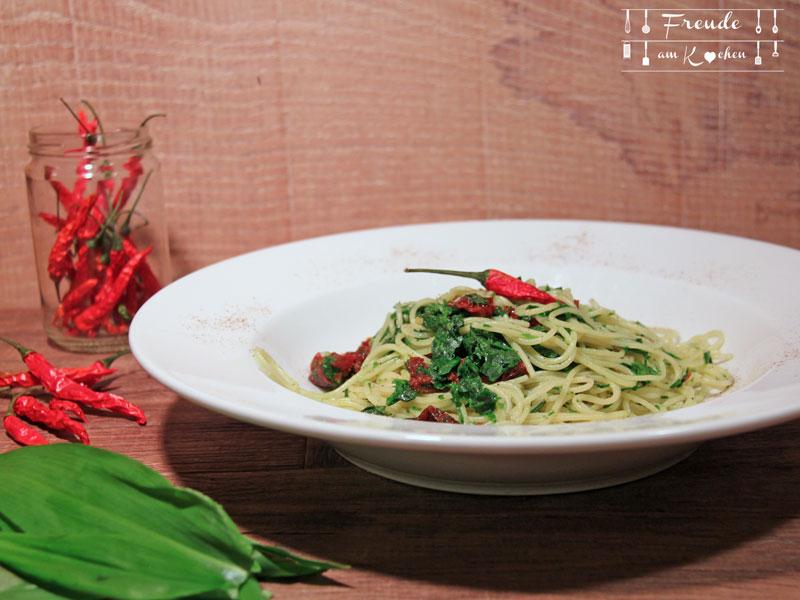 Pasta mit Bärlauch Pesto und getrockneten Tomaten - Freude am Kochen