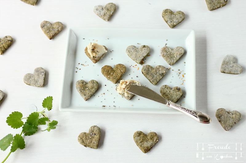 Brennnessel Wildkräuter Cracker - vegan - Freude am Kochen