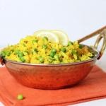 Poha - indisches Gericht aus Reisflocken