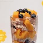 Amaranth Joghurt Pop mit Mangos & Heidelbeeren