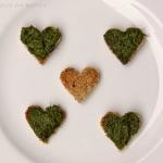 Valentinstag Herz Toast mit Bärlauch-Pesto