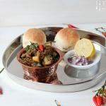 Melanzani Pav Bhaji - indisches Auberginen Gemüse