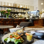 Lokal: Simply Raw Bakery - vegan essen in Wien