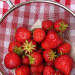 Erdbeer- (oder Himbeer)-Marzipan-Pie – vegetarisch