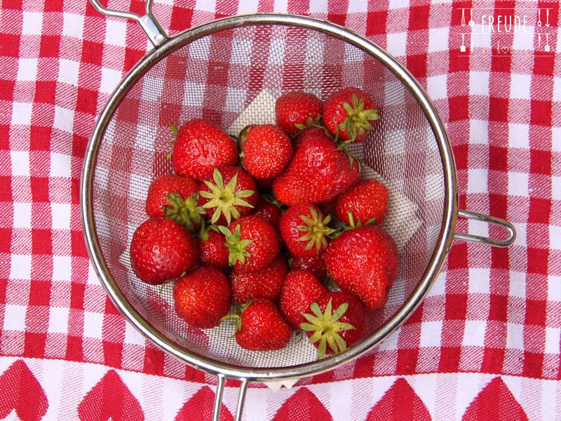 Erdbeer Ananas Mango Smoothie - Freude am Kochen