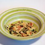 Zitronenmelissen-Oregano-Fritatten Suppe – vegetarisch