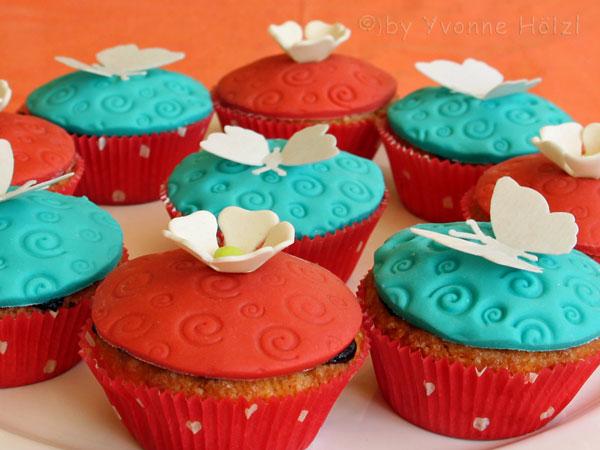 Dekorierte Blüten & Schmetterling Muffins vegetarisch - Freude am Kochen