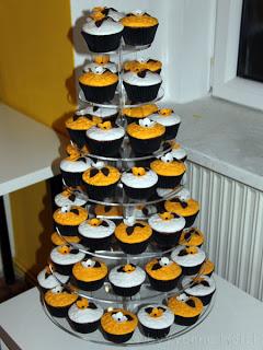 Muffin Arrangement als Hochzeitsgeschenk - Freude am Kochen