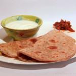 Mooli Paratha – mit weißem Rettich gefüllte indische Parathas (Fladenbrot)
