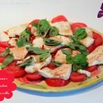Caprese  Mozarella mit Tomaten und Basilikum – vegetarisch