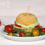 Zucchinischnitzel Burger mit Kräuter-Mayonnaise – vegan