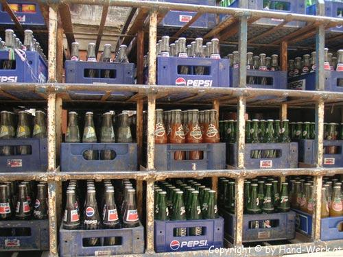 Bhaktapur-Flaschen-c