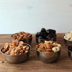 Weihnachtlicher Nuss Schoko Kuchen zur Eiweißverwertung – vegetarisch